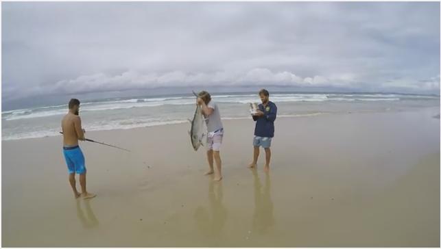 Wow, Kreatif !!! Mancing Ikan Tuna Terbesar di Laut Pakai Drone