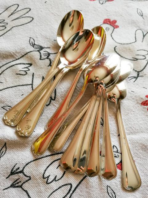 pulizia moneta argento argenteria cucchiai posate cleaning silver succo limone bicarbonato elettrolisi a freddo