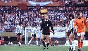 Fifa italie d c s de l 39 arbitre italien de la finale de - Finale coupe du monde 1978 ...