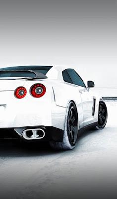 صورة سيارة بيضاء معدلة
