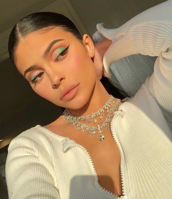 Kylie jenner modeling eye makeup
