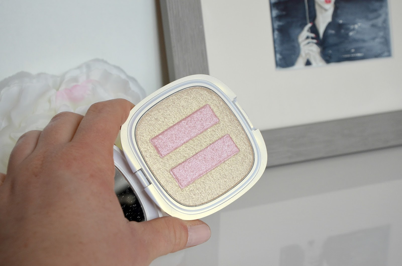 Enlumineur  natural color 02 iridescent champagne collection spring 2.0 kiko