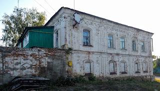 Мирополье. Ул. Сумская. Двухэтажный жилой дом