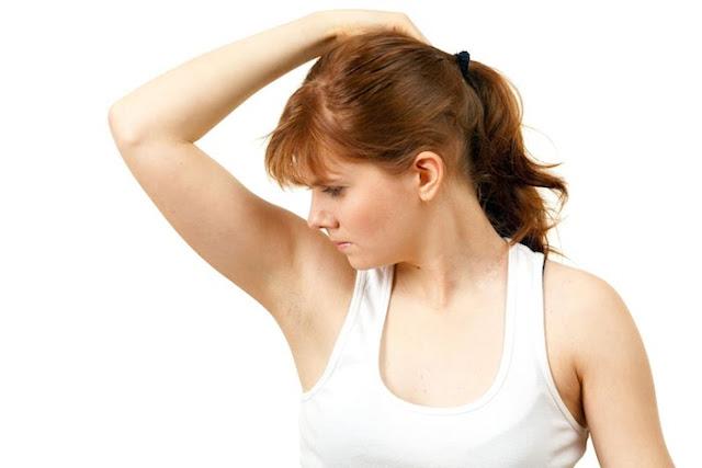 4 dấu hiệu của bệnh hôi nách bạn không được bỏ qua