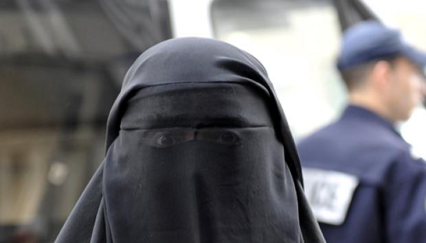 Pengertian Burqa