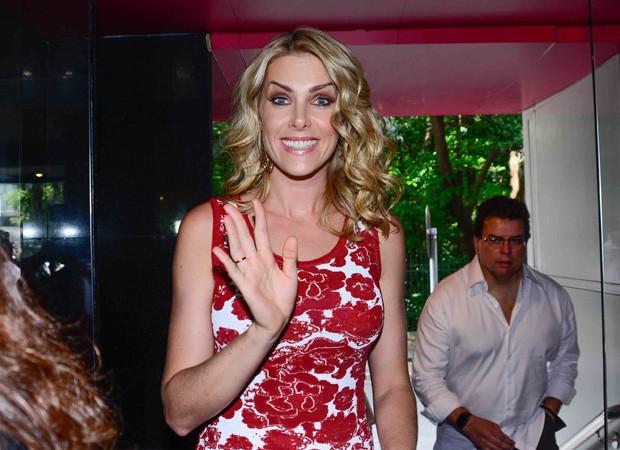 No início da tarde desta quinta-feira (19), Ana Hickmann esteve na loja  Marisa, da avenida Paulista, em São Paulo, para o lançamento de sua coleção  de ... 8933034dba