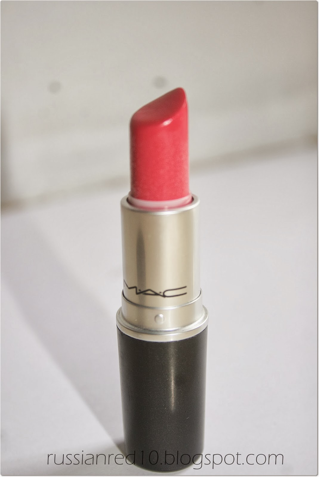 Review Mac Eye Shadow In Woodwinked: The Face Guide: Review: MAC Lipstick In Lustering