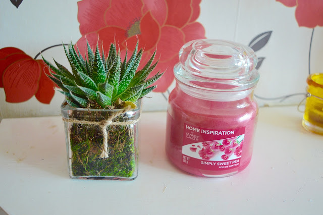 yankee candle simply home sweet pea