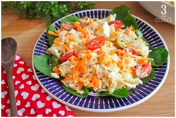 salada com sobra de arroz