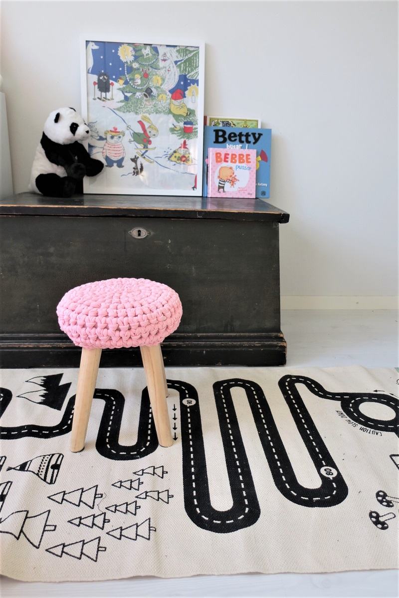 Have You Seen Knit Stools Like This Before? What Do You Think About Them?  Yay Or Nay?