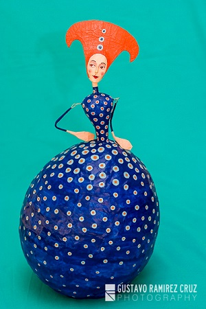 Kusama I por Gustavo Ramírez Cruz | imagenes de obras de arte contemporaneo bonitas, esculturas chidas, cosas lindas, papel mache muñecas, cool stuff, art pictures