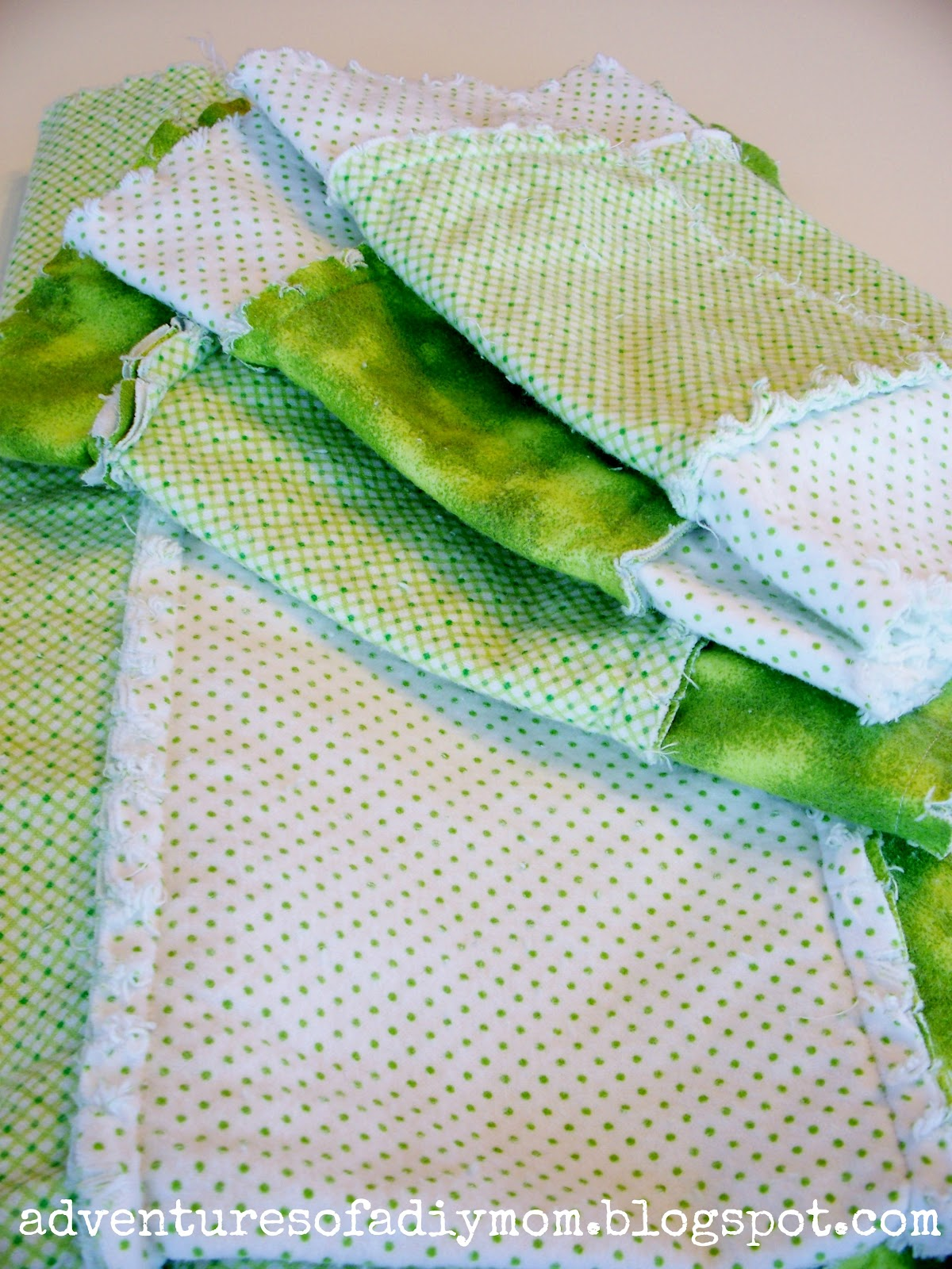 Ragtop blankets and burp cloths adventures of a diy mom i think its kind of funny that i used two of the same green fabrics as i did back in october i love green baditri Image collections