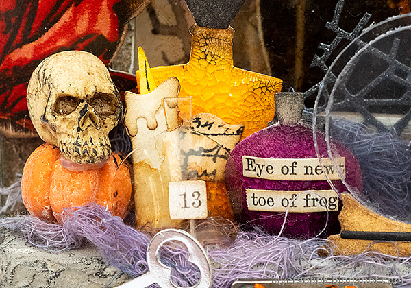 Layers of ink - Halloween Window Tutorial by Anna-Karin Evaldsson.
