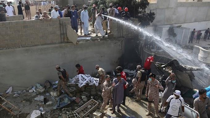 Αεροπορική τραγωδία στο Πακιστάν: Συνετρίβη αεροσκάφος με 91 επιβάτες