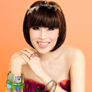 Anneke in Thailand: I met a Princess :)