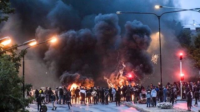 Malmö lángokban – a muszlimok válaszoltak Paludan Korán-égetésére – Videók