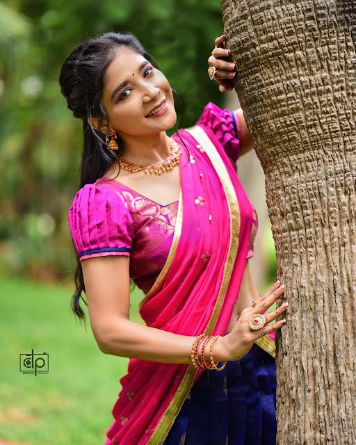 Actress Sakshi Agarwal Half Saree New Stills Navel Queens