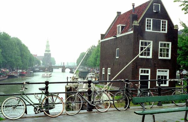 Amsterdam, Jodenbreestraat, © L. Gigout, 1990
