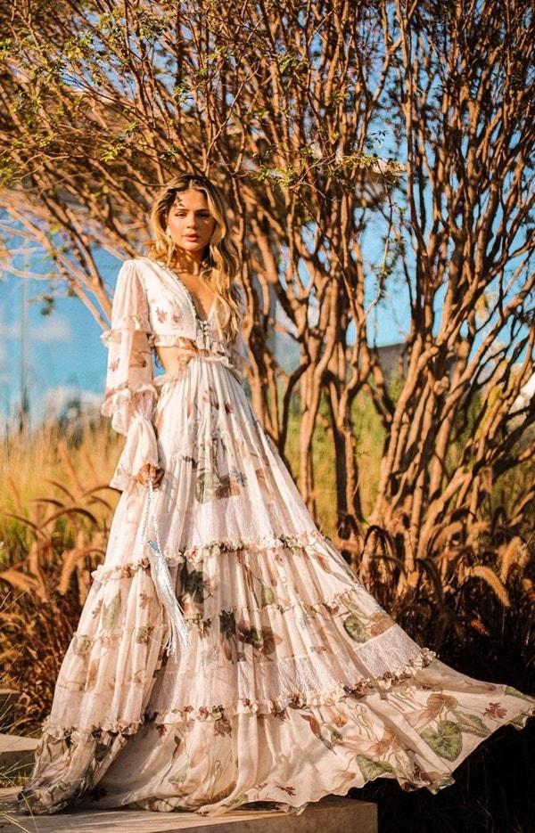 Thassia Naves vestido verão 2021 longo floral com recortes na cintura