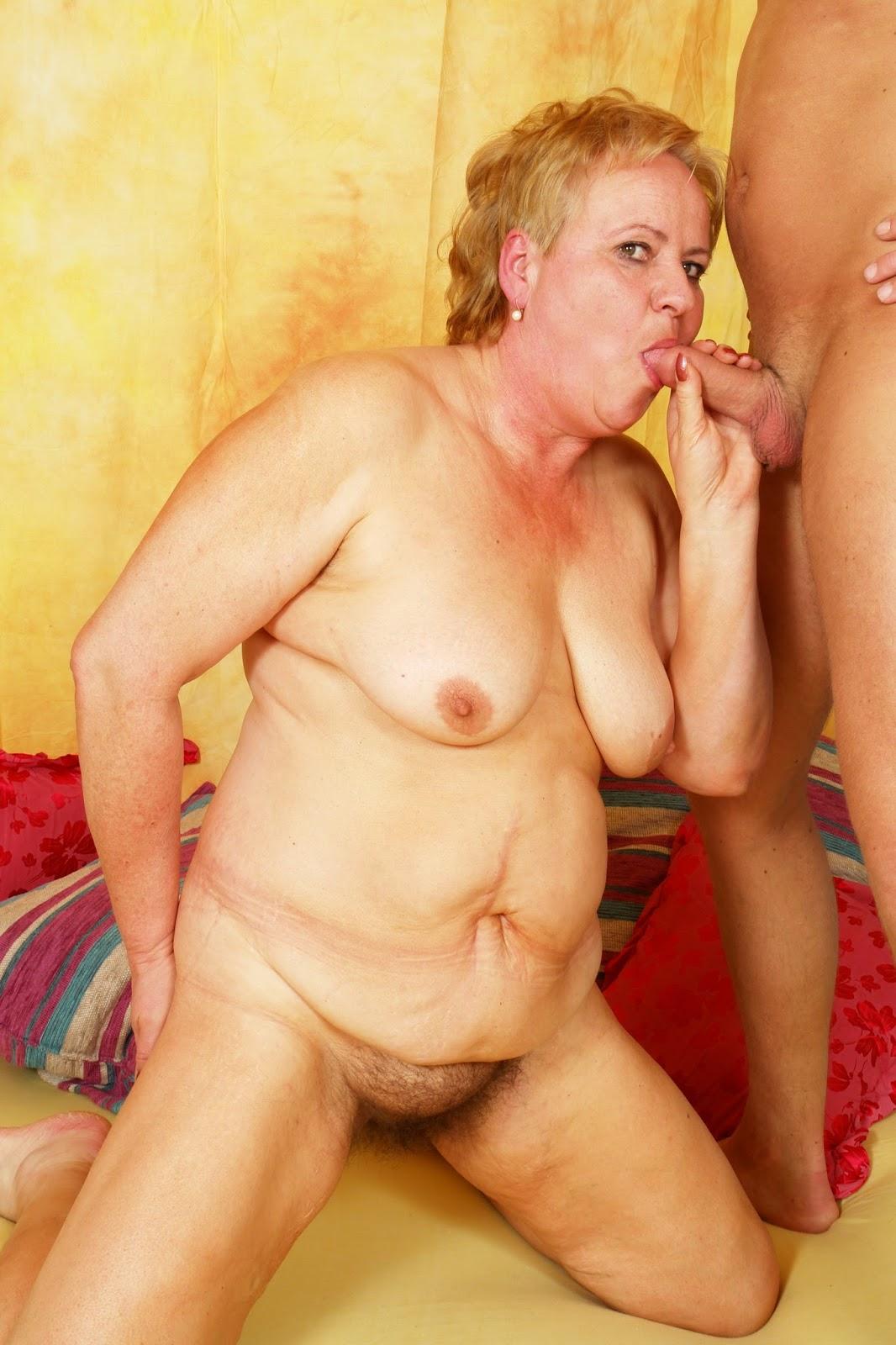 Бабушек порно реальных