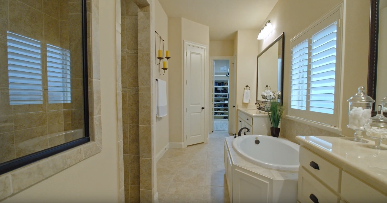 13 Photos vs. 1328 Horse Creek Dr, Frisco, TX Home Interior Design Tour