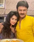 kanchi singh with her father
