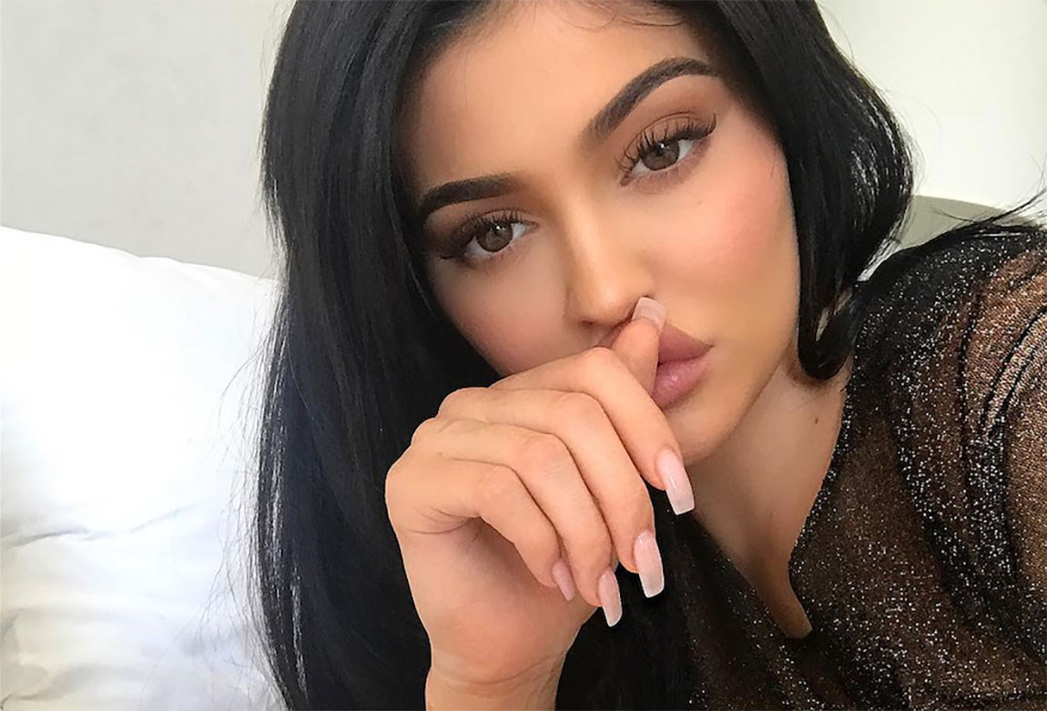 Kylie Jenner revela que dio a luz una niña