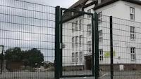 فرنسا تعيد إغلاق 22 مدرسة بسبب تفشي كورونا بعد 3 أيام على فتحها