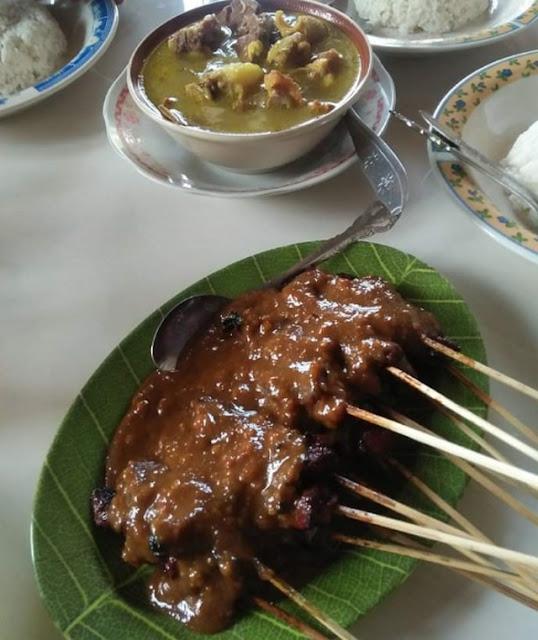 "Mencicipi Sajian Sate Kambing  di Warung Sate & Gule ""Miroso"" Kedungpen, Mojokerto"