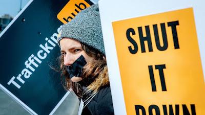 Site adulto remove 10 milhões de vídeos após campanha #Traffickinghub