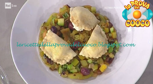 Tortelli farciti con squacquerone e mele alla curcuma con caponata ricetta Marretti da Prova del Cuoco