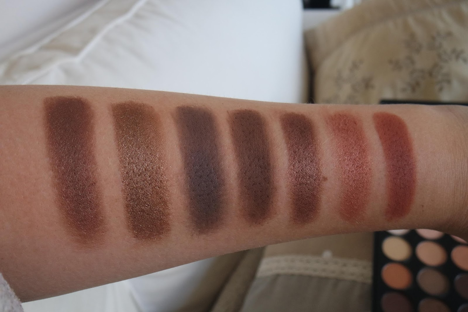 Makeup By Myrna Beauty Blog Morphe Brushes 35o 35 Color Nature Glow Eyeshadow Palette