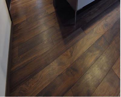 Sàn gỗ tự nhiên chiu liu mang phong cách cổ điển