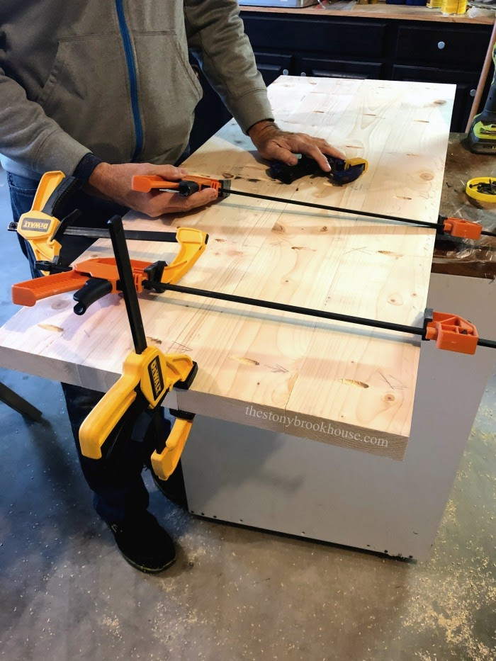 Clamping and attaching coffee table top together