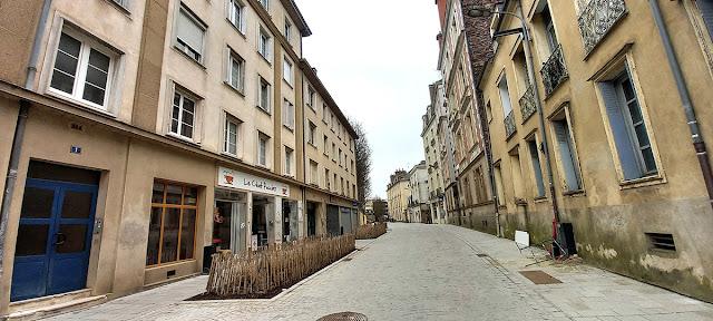 La rue des Francs Bourgeois en direction de la Place Pasteur (21 Février 2021)