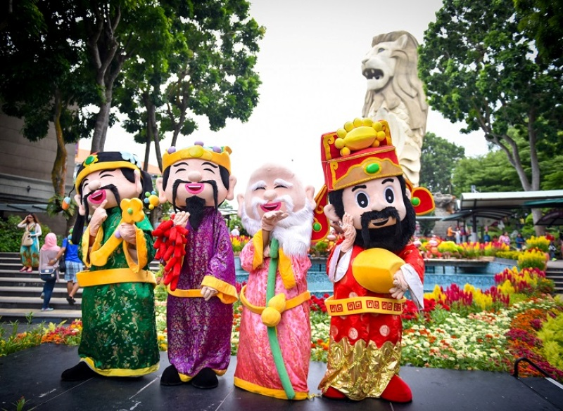 sentosa lunar new year walkabout characters