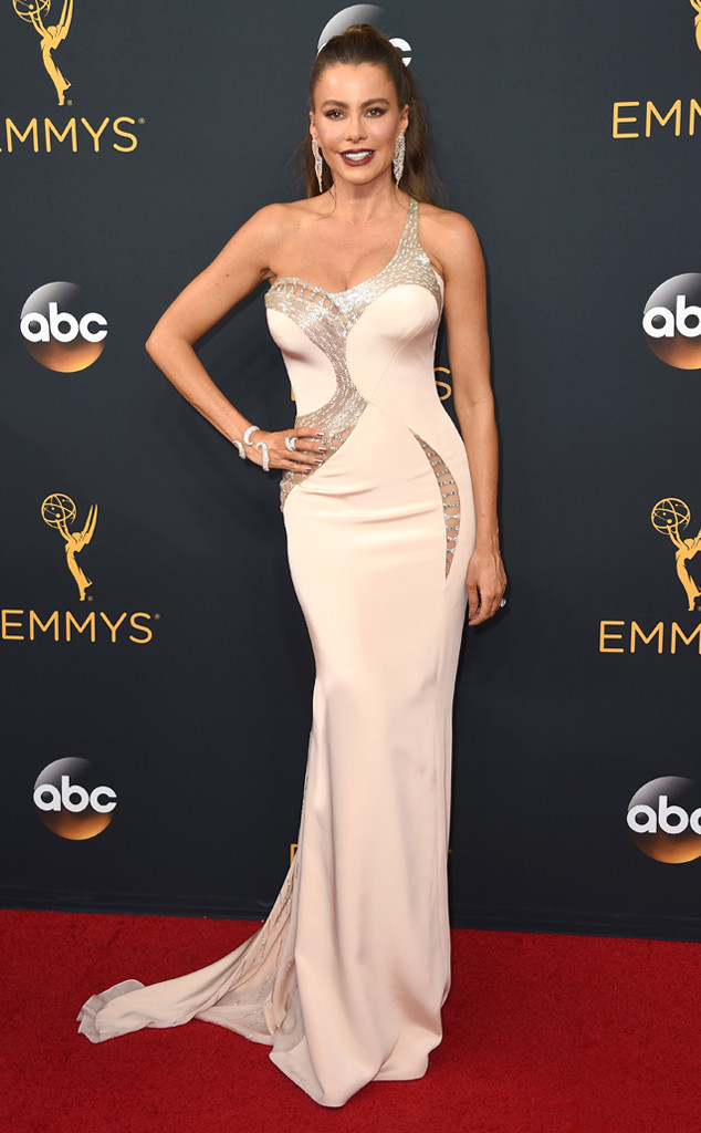Red Carpet Hits And Misses At The Emmy S 2016 Haute People