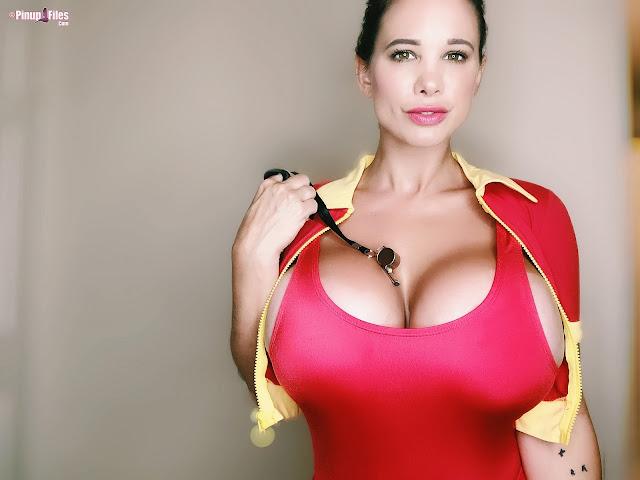 Brittany Elizabeth whistle between big boobs