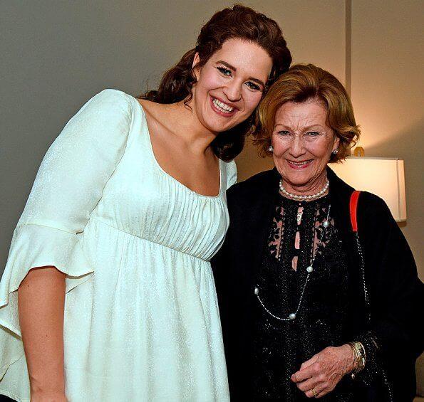 Lise Davidsen's Metropolitan opera debut. Lise Davidsen won the Queen Sonja International Music Competition