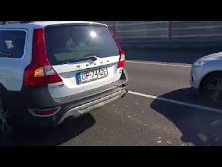 Ti-synevh-otan-Fiat-trakare-me-Volvo