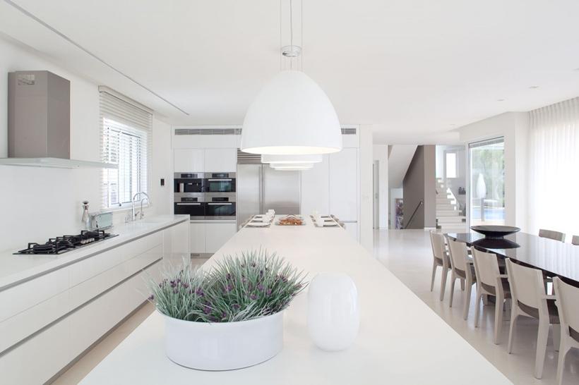 White Interior Design in Modern Sea Shell Home, Israel ...