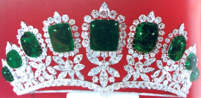 emerald diamond tiara iran princess shahnaz pahlavi van cleef and arpels