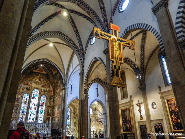 Florença - afrescos de Ghirlandaio e o Crucifixo de Giotto, na Basílica de Santa Maria Novella