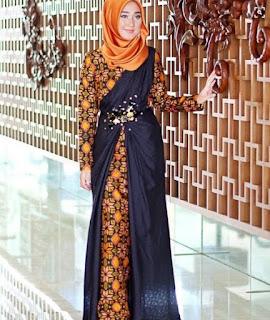 Model baju batik pesta muslim modis