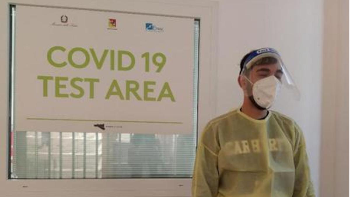 Polizia furto tracolla test anti Covid Aeroporto di Catania