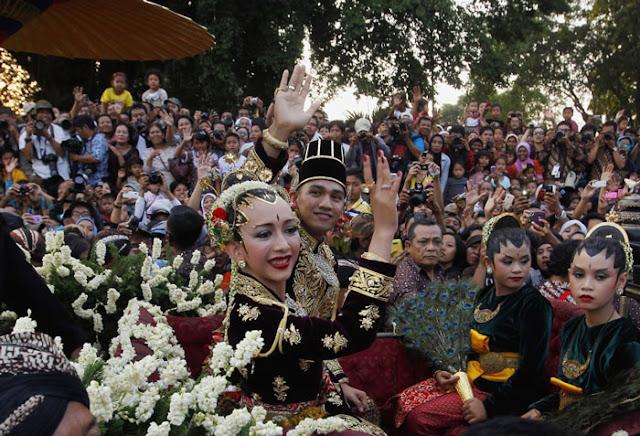 فستان الزفاف في إندونيسيا