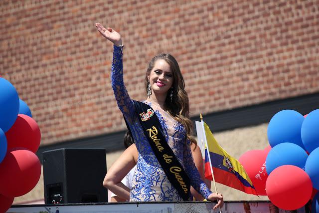 Tatiana Guillén  REINA DE CUENCA  en el desfile ecuatoriano queens nyc