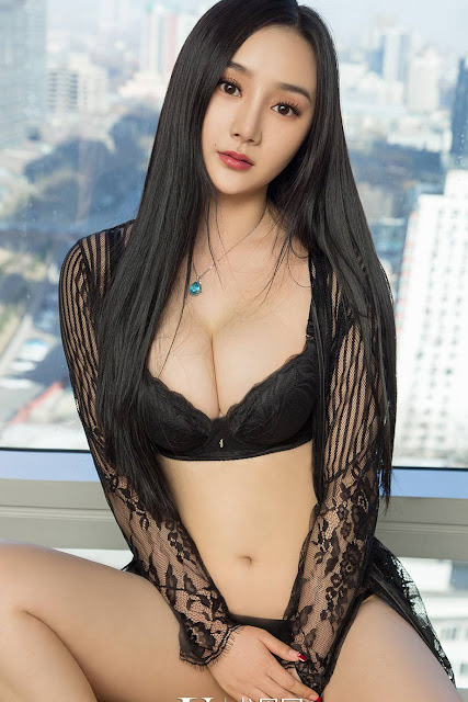 Hot and sexy photos of beautiful busty asian hottie chick Chinese booty model He Xin Chang photo highlights on Pinays Finest sexy nude photo collection site.