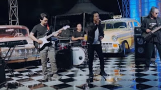 Lirik Lagu Tusing Bocor - Widi Widiana feat Diana Band