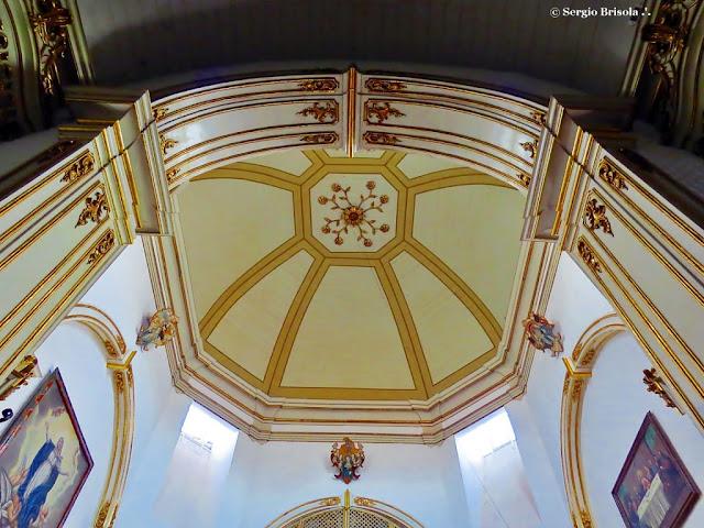 Close-up da parte interna da abóbada da Igreja Santo Antônio de Sant Anna Galvão - Mosteiro da Luz - São Paulo
